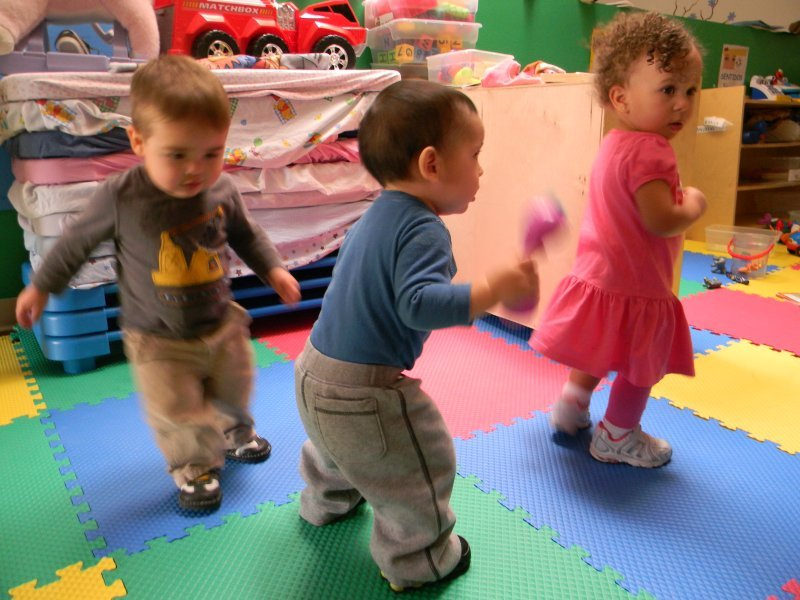toddler_dancing